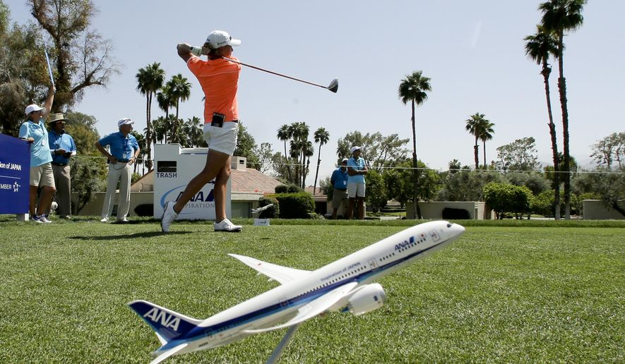 Stacy Lewis watches her tee shot on the third hole during the pro-am at the LPGA Tour ANA Inspiration golf tournament at Mission Hills Country Club on Wednesday, April 1, 2015 in Rancho Mirage, Calif. (AP Photo/Chris Carlson)