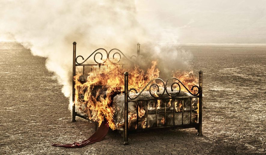 """This CD cover released by Warner Music shows """"Cama Incendiada,"""" (The Burning Bed) by Mana. (AP Photo/Warner Music)"""