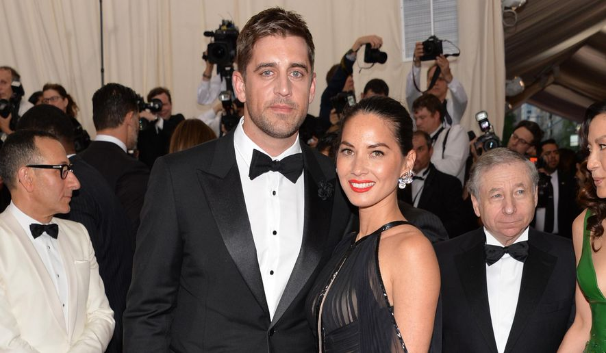 "Aaron Rodgers and Olivia Munn arrives at The Metropolitan Museum of Art's Costume Institute benefit gala celebrating ""China: Through the Looking Glass"" on Monday, May 4, 2015, in New York. (Photo by Evan Agostini/Invision/AP) ** FILE **"