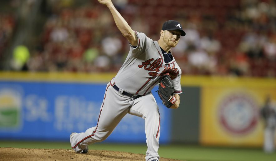 Atlanta Braves starting pitcher Shelby Miller throws during the first inning of a baseball game against the Cincinnati Reds, Monday, May 11, 2015, in Cincinnati. (AP Photo/John Minchillo)