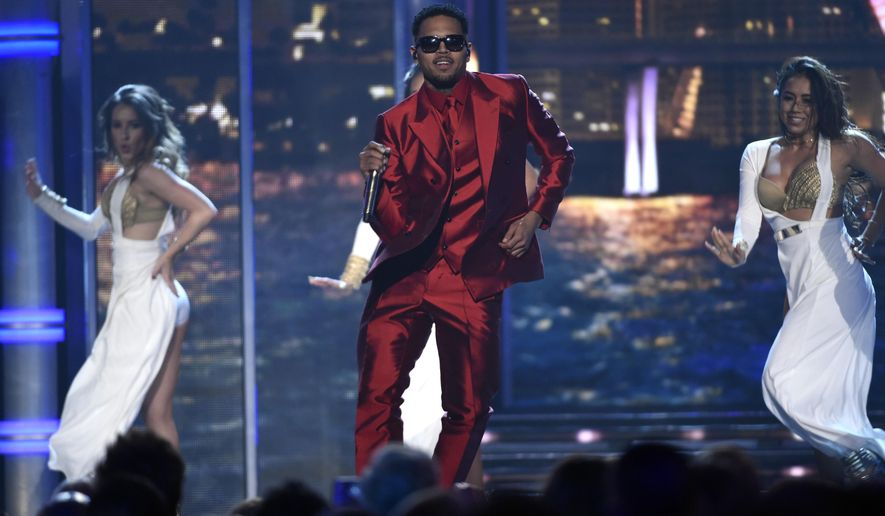 Chris Brown performs at the Billboard Music Awards at the MGM Grand Garden Arena on Sunday, May 17, 2015, in Las Vegas. (Photo by Chris Pizzello/Invision/AP)