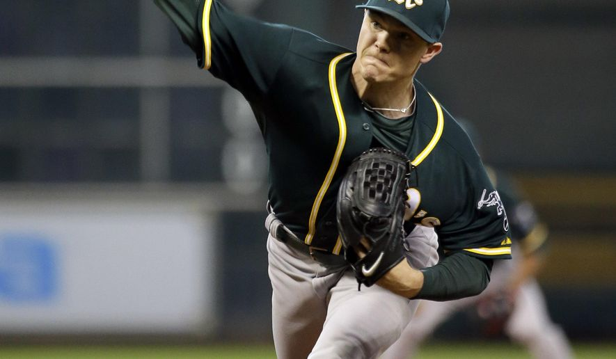 Oakland Athletics starting pitcher Sonny Gray throws against the Houston Astros during the first inning of a baseball game Tuesday, May 19, 2015, in Houston. (AP Photo/David J. Phillip)