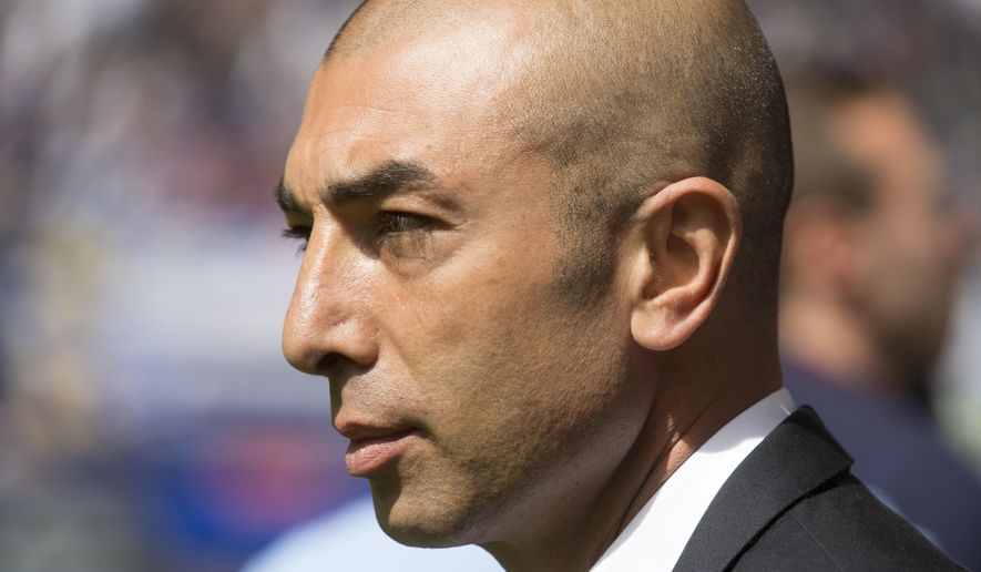 Schalke's coach Roberto Di Matteo is seen prior the German first division Bundesliga soccer match between Hamburger SV and Schalke 04 in Hamburg, Germany, Saturday, May 23, 2015.  (AP Photo/Joerg Sarbach)