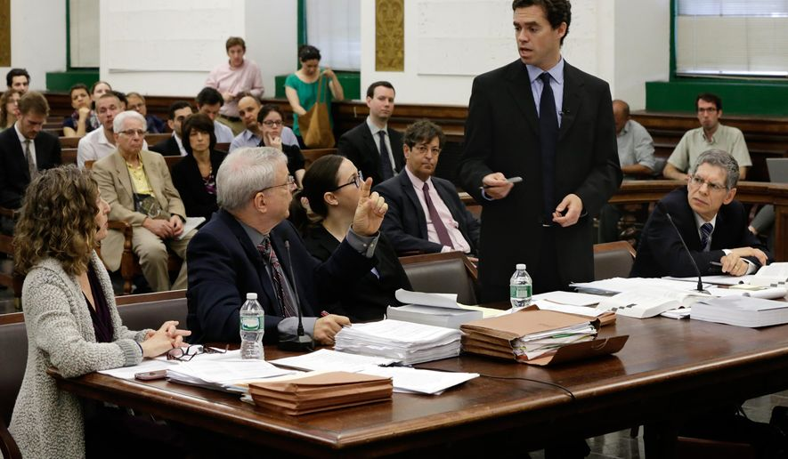 "Steven Wise, president of the Nonhuman Rights Project, second left, and Assistant Attorney General Christopher Coulston, second from right, appear in Manhattan State Supreme Court, in New York, Wednesday, May 27, 2015. Lawyers for two chimpanzees went to court to argue that the animals have ""personhood"" rights and should be freed from the Long Island university where they are kept. (AP Photo/Richard Drew, Pool)"