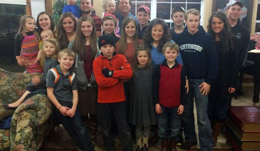 "This undated image released by TLC, shows some members of the Duggar family from the reality series ""19 Kids & Counting."" The family is featured in the show, whose 10th season concluded May 19, 2015. (TLC via AP)"