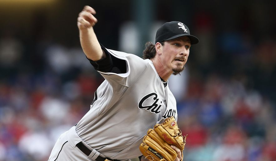 Chicago White Sox starting pitcher Jeff Samardzija delivers to the Texas Rangers during the first inning of a baseball game, Tuesday, June 2, 2015, in Arlington, Texas. (AP Photo/Jim Cowsert)