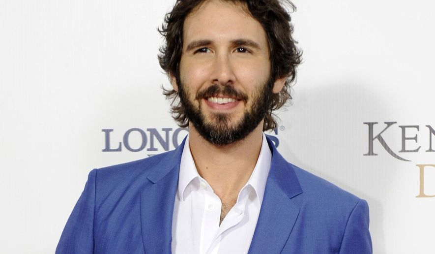 Josh Groban arrives at the 2015 Kentucky Derby at Churchill Downs in Louisville, Kentucky, May 2, 2015. (Photo by Joe Imel/Invision/AP) ** FILE **
