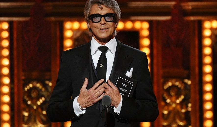 Tommy Tune presents the award for best direction of a musical at the 69th annual Tony Awards at Radio City Music Hall on Sunday, June 7, 2015, in New York. (Photo by Charles Sykes/Invision/AP)