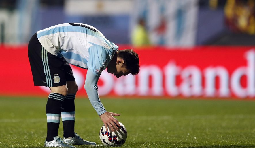Argentina's Lionel Messi  prepares for a penalty kick during a Copa America quarterfinal soccer match against Colombia at the Sausalito Stadium in Vina del Mar, Chile, Friday, June 26, 2015. (AP Photo/Andre Penner)