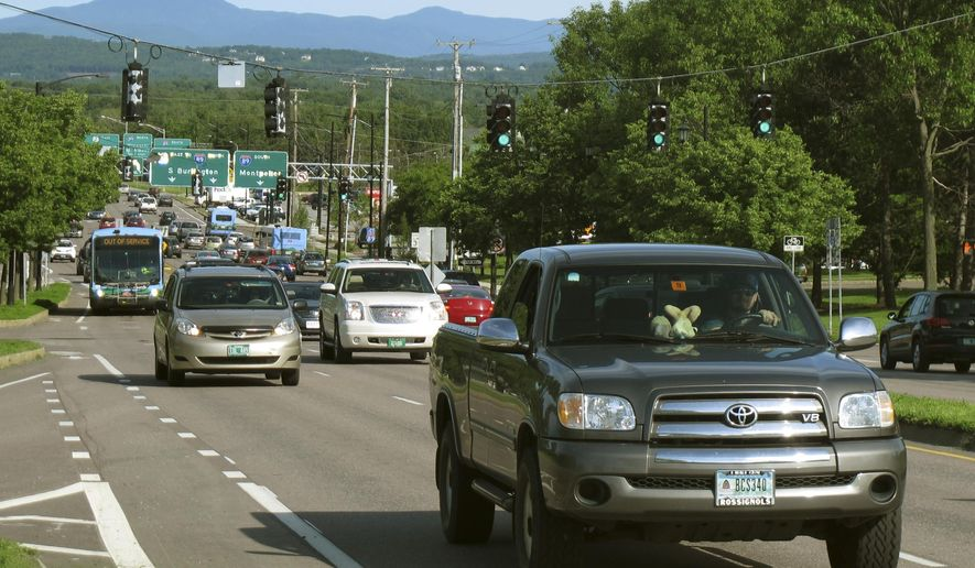 HOLD FOR STORY MOVING JUNE 26 BY LISA RATHKE In this Wednesday June, 17, 2015 photo, vehicles travel along Williston Road during the afternoon rush hour in Burlington, Vt., Despite having minor traffic congestion problems when compared with other parts of the country, Vermont officials continue to encourage commuters to share rides and take public transportation. (AP Photo/Wilson Ring)