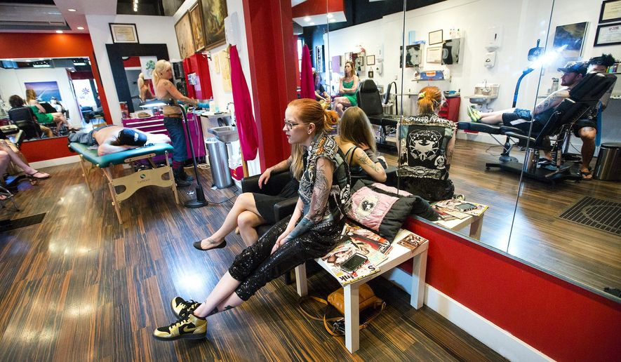 Minneapolis tattoo shop employs all-female staff - Washington Times