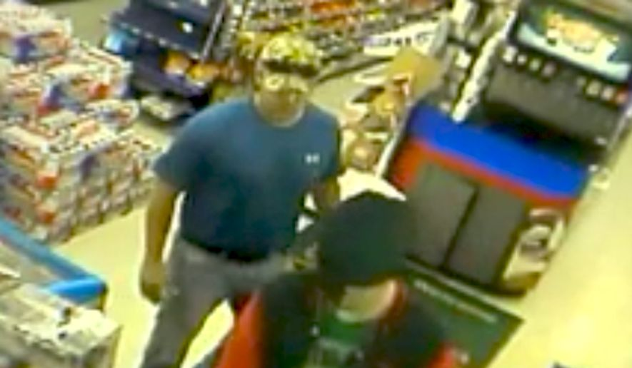 Marine veteran and firefighter Daniel Gaskey thwarted an attempted robbery on June 26, 2015 while inside an Exxon Oasis Food Store in Midlothian, Texas. (Image: YouTube, TOPCH) ** FILE **
