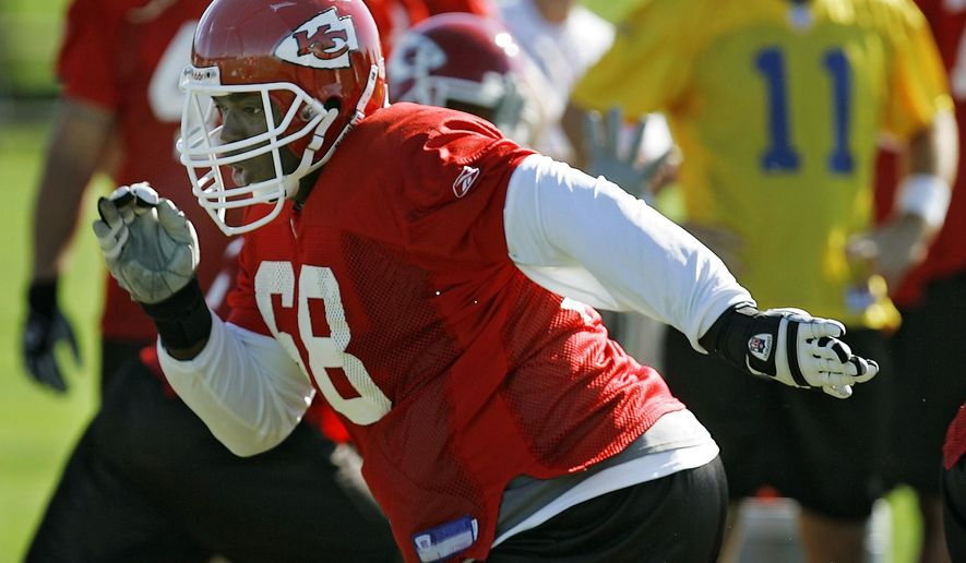 FILE - In this Aug. 14, 2005, file photo, Kansas City Chiefs guard Will Shields took part in an individual drills but not in team drills during NFL football training camp in River Falls, Wis. Shields will be inducted into the Pro Football Hall of Fame on Saturday, Aug. 8, 2015. (David Eulitt/The Kansas City Star via AP, File) MANDATORY CREDIT