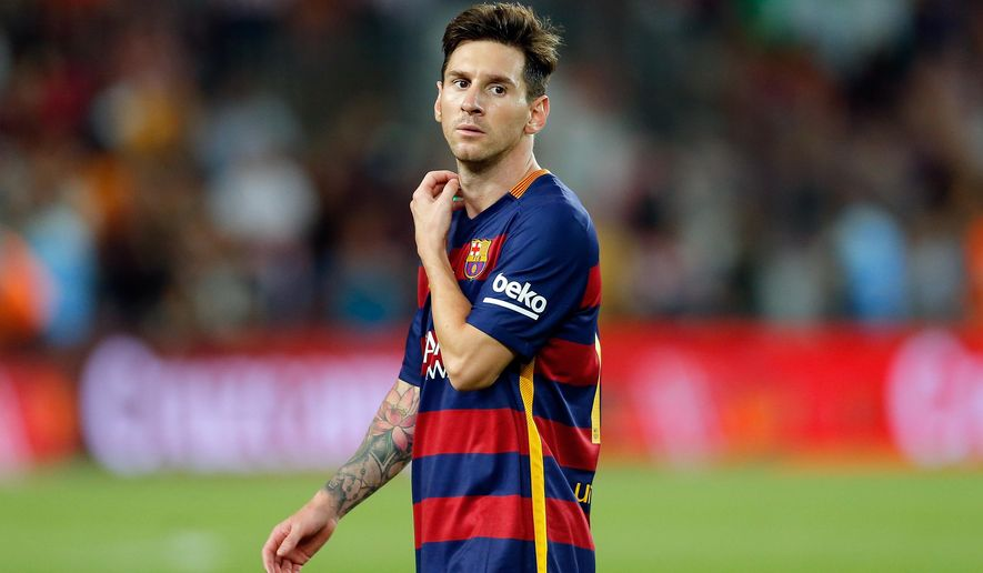 Barcelona's Lionel Messi leaves the pitch at the end of  a second leg Spanish Super Cup soccer match between FC Barcelona and Athletic Bilbao at the Camp Nou stadium in Barcelona, Spain, Monday, Aug.17, 2015. After a 1-1 draw Athletic Bilbao won the trophy following the first leg 4-0 win. (AP Photo/Manu Fernandez)