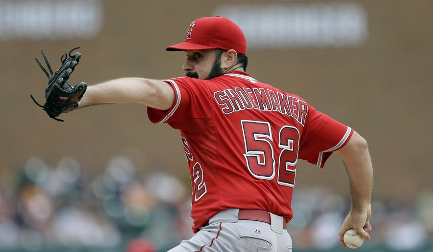 Los Angeles Angels starting pitcher Matt Shoemaker throws during the third inning of a baseball game against the Detroit Tigers, Thursday, Aug. 27, 2015, in Detroit. (AP Photo/Carlos Osorio)