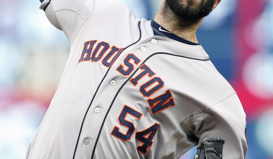Houston Astros pitcher Mike Fiers throws against the Minnesota Twins in the first inning of a baseball game, Saturday, Aug. 29, 2015, in Minneapolis. (AP Photo/Jim Mone)