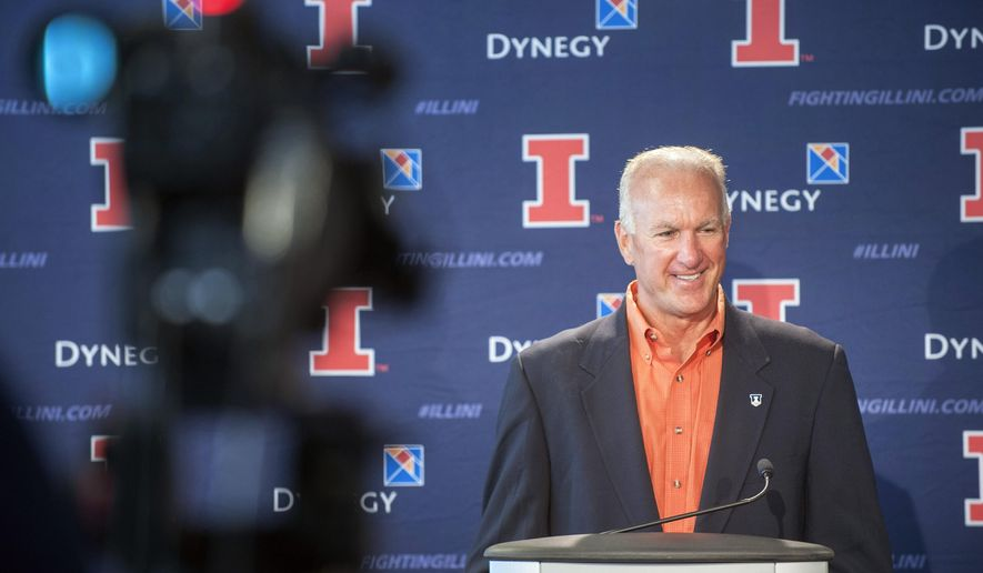 University of Illinois interim head football coach Bill Cubit answers a question during a press conference at Memorial Stadium in Champaign, Ill., Monday Aug. 31, 2015 (Rick Danzl/The News-Gazette via AP)  MANDATORY CREDIT