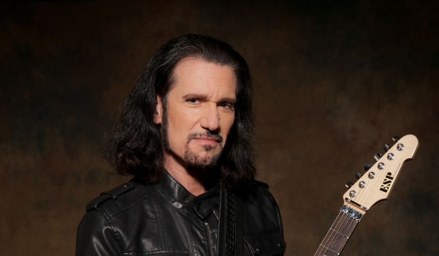 Bruce Kulick (photo by Rick Gould)