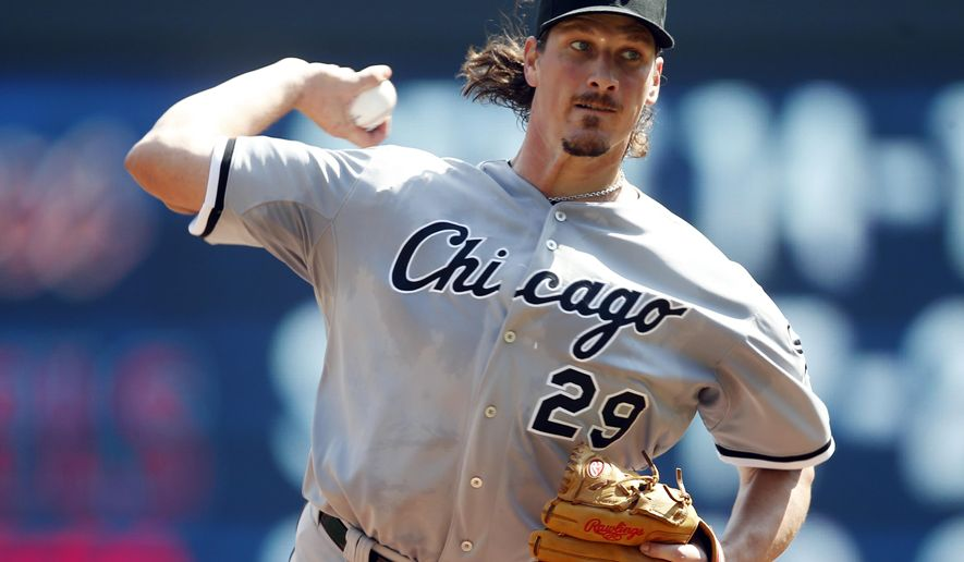 Chicago White Sox pitcher Jeff Samardzija throws against the Minnesota Twins in the first inning of a baseball game, Thursday, Sept. 3, 2015, in Minneapolis. (AP Photo/Jim Mone)