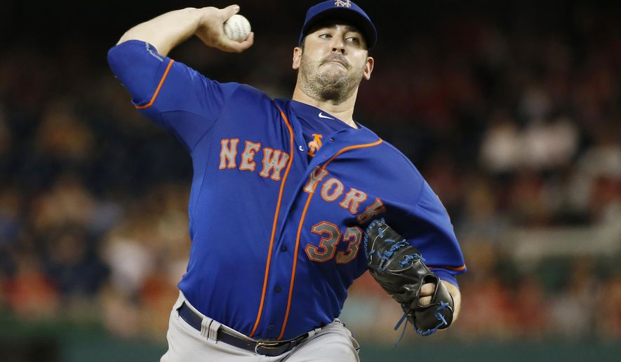 New York Mets starting pitcher Matt Harvey throws during the fourth inning of a baseball game against the Washington Nationals at Nationals Park, Tuesday, Sept. 8, 2015, in Washington. (AP Photo/Alex Brandon)