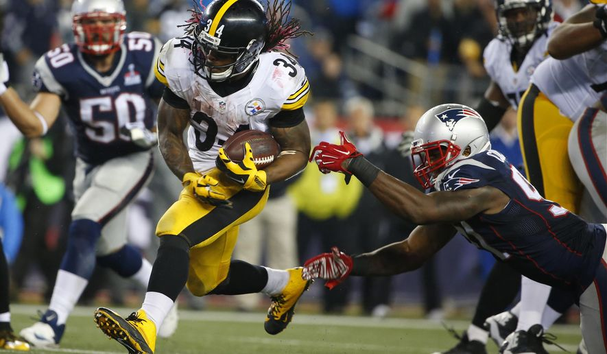 Pittsburgh Steelers running back DeAngelo Williams (34) runs against the New England Patriots in the second half of an NFL football game, Thursday, Sept. 10, 2015, in Foxborough, Mass. (AP Photo/Winslow Townson)