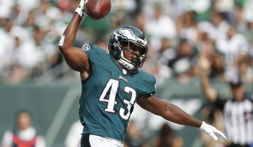Philadelphia Eagles running back Darren Sproles (43) reacts after scoring a touchdown against the New York Jets during the second quarter of an NFL football game, Sunday, Sept. 27, 2015, in East Rutherford, N.J. (AP Photo/Adam Hunger)