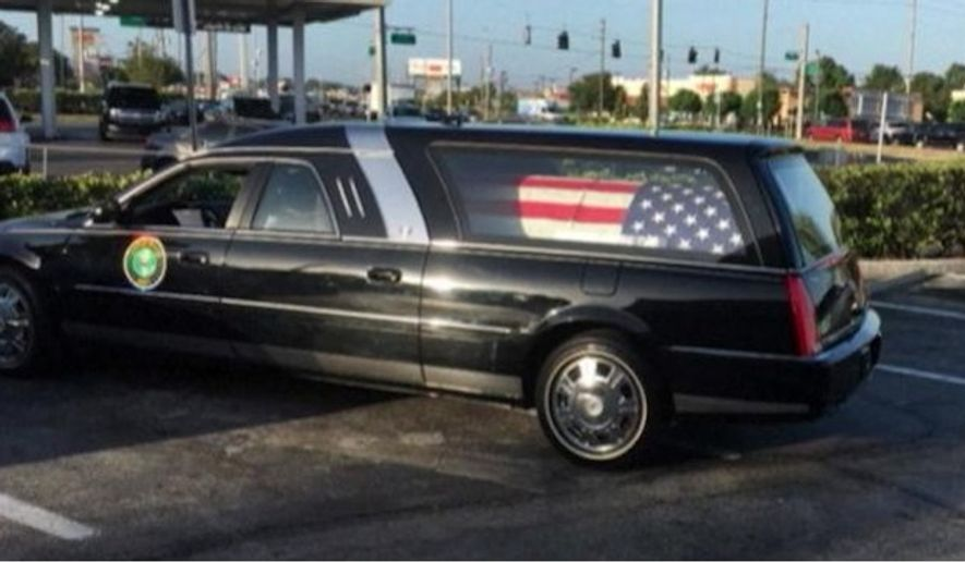 A flag-draped coffin carrying the remains of Lt. Col. Jesse Coleman was left unattended outside a Dunkin Donuts in Lecanto, Florida in May. (Image: screen grab from Twitter @newsthrottle)
