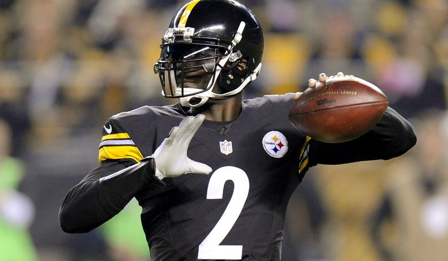 Pittsburgh Steelers quarterback Michael Vick (2) passes in the first quarter of an NFL football game against the Baltimore Ravens, Thursday, Oct. 1, 2015 in Pittsburgh. (AP Photo/Don Wright)