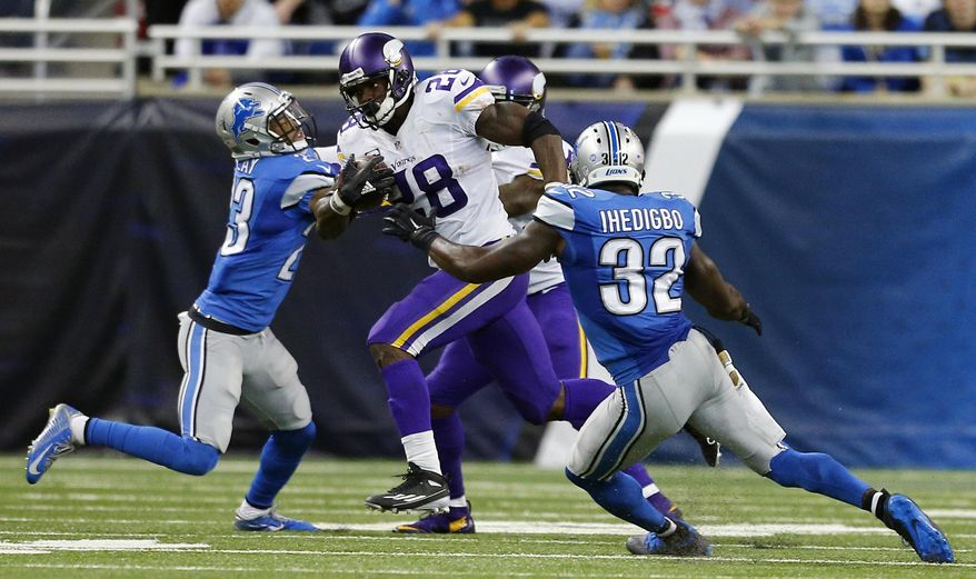 Minnesota Vikings running back Adrian Peterson (28) breaks downfield for a 75-yard run during the second half of an NFL football game against the Detroit Lions, Sunday, Oct. 25, 2015, in Detroit. (AP Photo/Rick Osentoski)