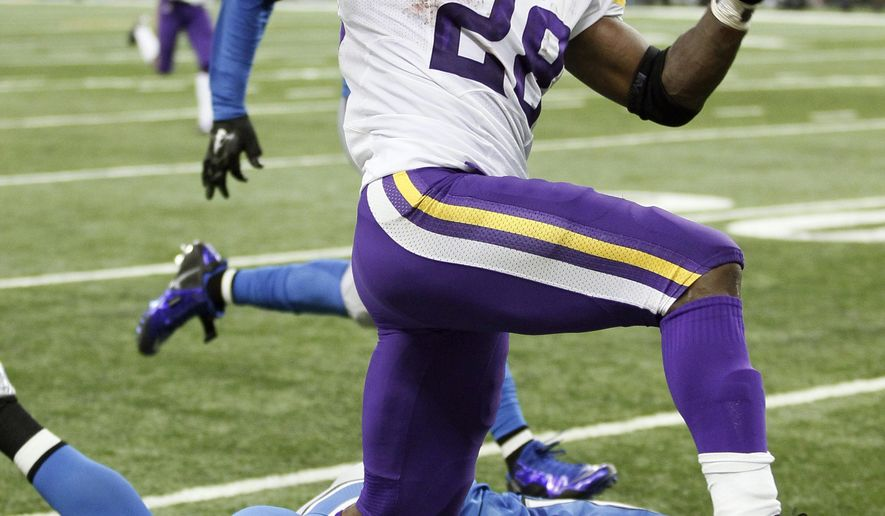 Minnesota Vikings running back Adrian Peterson (28) breaks downfield for a 75-yard run during the second half of an NFL football game against the Detroit Lions, Sunday, Oct. 25, 2015, in Detroit. (AP Photo/Duane Burleson)