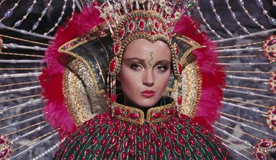 1973, Live and Let Die, Jane Seymour as Solitaire