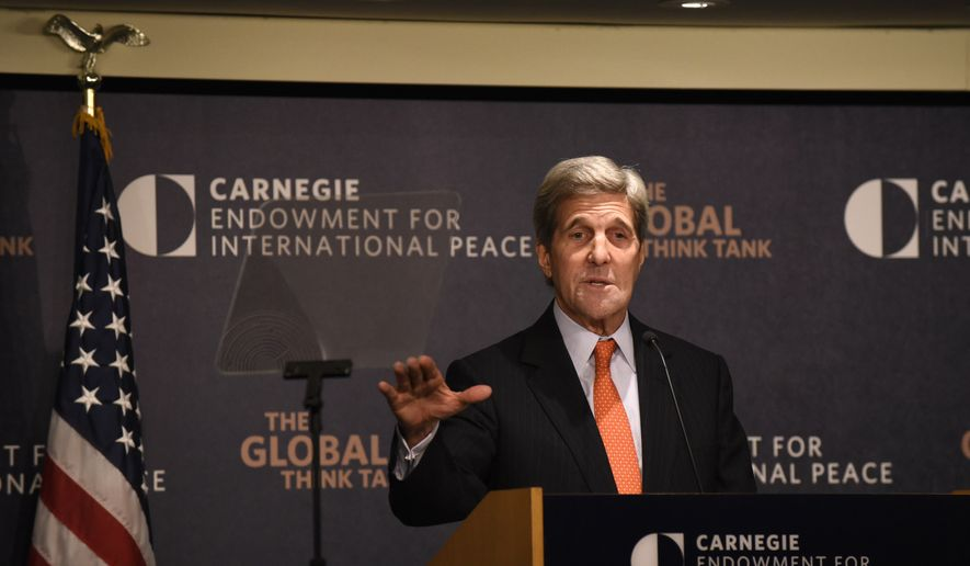 Secretary of State John Kerry discusses U.S. policy toward the Middle East, Wednesday, Oct. 28, 2015, at the Carnegie Endowment for International Peace in Washington. (AP Photo/Sait Serkan Gurbuz)