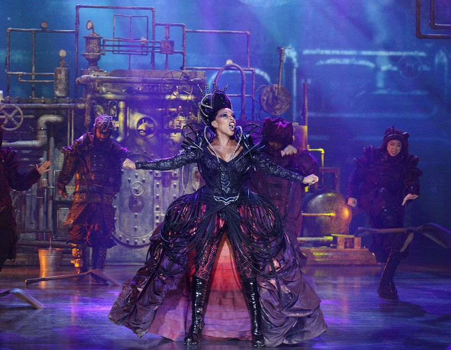 """This Nov. 30, 2015 photo released by NBC shows Mary J Blige as Evillene during a dress rehearsal of """"The Wiz Live!"""" in New York. (Virginia Sherwood/NBC via AP)"""