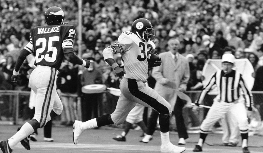 FILE - In this Jan. 12, 1975, file photo, Pittsburgh Steelers' Franco Harris runs into the end zone to score early in third quarter action of NFL football's Super Bowl IX against the Minnesota Vikings at Tulane Stadium in New Orleans. Pursuing Harris is Jackie Wallace (25) of the Vikings. (AP Photo/File)