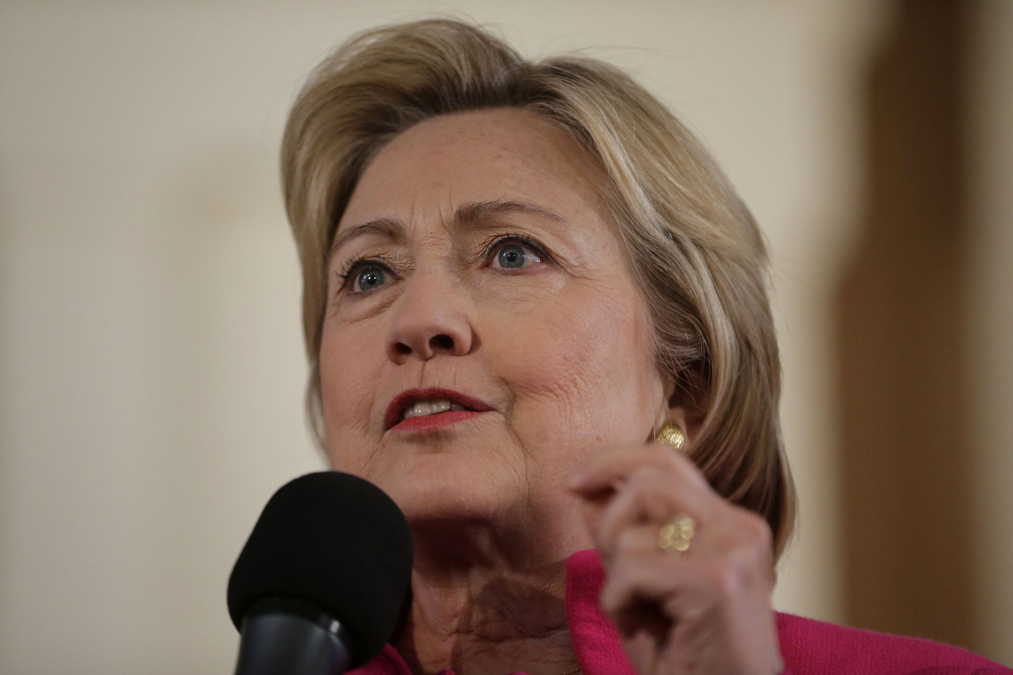 Clinton advised to consider resigning as secretary of state after Obama's Russia comments