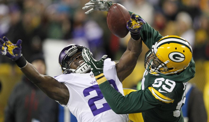 Minnesota Vikings' Xavier Rhodes breaks up a pass intended for Green Bay Packers' James Jones during the first half an NFL football game Sunday, Jan. 3, 2016, in Green Bay, Wis. (AP Photo/Matt Ludtke)