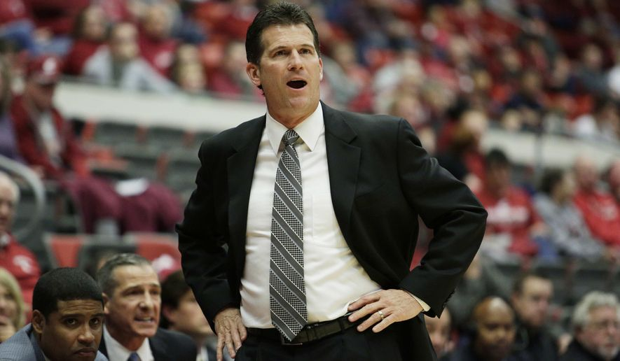 UCLA head coach Steve Alford instructs his team during the first half of an NCAA college basketball game against Washington State, Sunday, Jan. 3, 2016, in Pullman, Wash. (AP Photo/Young Kwak)