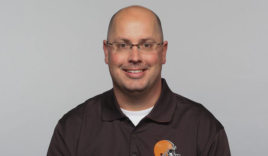 FILE - In this 2015, file photo, Kurt Roper of the Cleveland Browns NFL football team is shown. Will Muschamp's last offensive coordinator at Florida is joining South Carolina in a similar role. New Gamecocks coach Muschamp said Monday, Jan. 4, 2016,  he had hired Kurt Roper as co-offensive coordinator and quarterbacks coach. Roper spent last season as an assistant for the Cleveland Browns. (AP Photo/File)