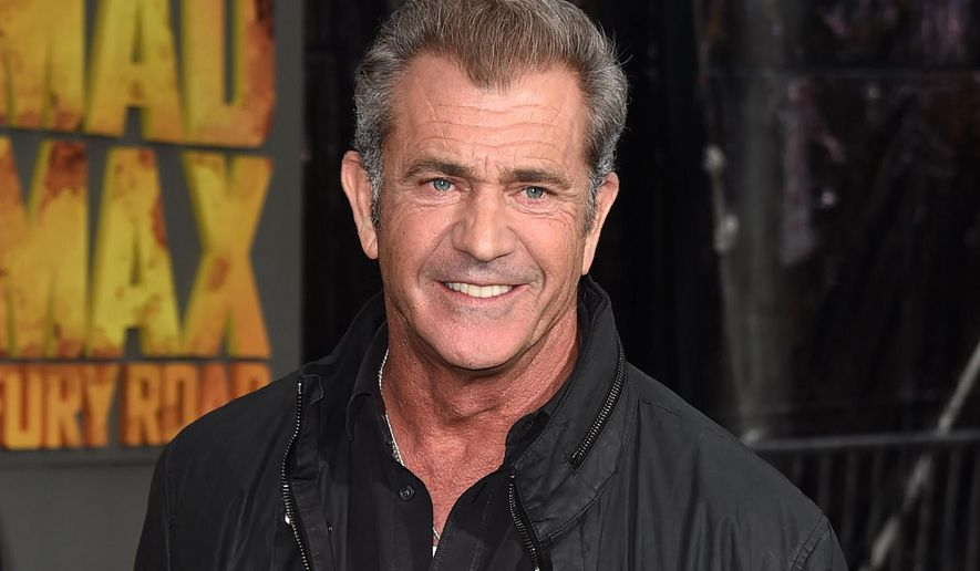 "FILE - In this May 7, 2015 file photo, Mel Gibson arrives at the premiere of ""Mad Max: Fury Road"" in  Los Angeles. Gibson will present at the Golden Globes ceremony at the Beverly Hilton Hotel on Sunday, Jan. 10, 2016. (Photo by Jordan Strauss/Invision/AP, File)"