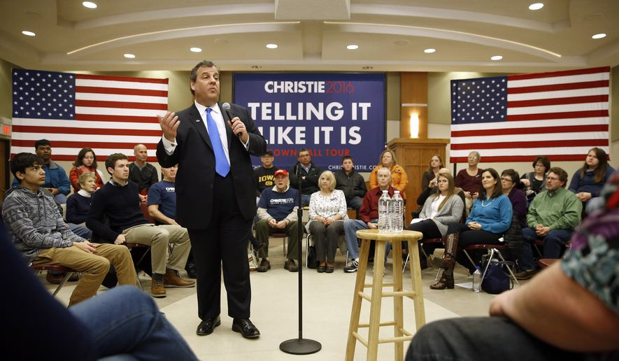 Republican presidential candidate, New Jersey Gov. Chris Christie speaks during a town hall at Morningside College in Sioux City, Iowa, Sunday, Jan. 31, 2016. (AP Photo/Patrick Semansky) ** FILE **