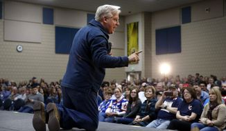 Radio and television personality Glenn Beck speaks before introducing Republican presidential candidate, Sen. Ted Cruz, R-Texas, at a campaign event at Western Iowa Tech Community College in Sioux City, Iowa, Saturday, Jan. 30, 2016. (AP Photo/Patrick Semansky)