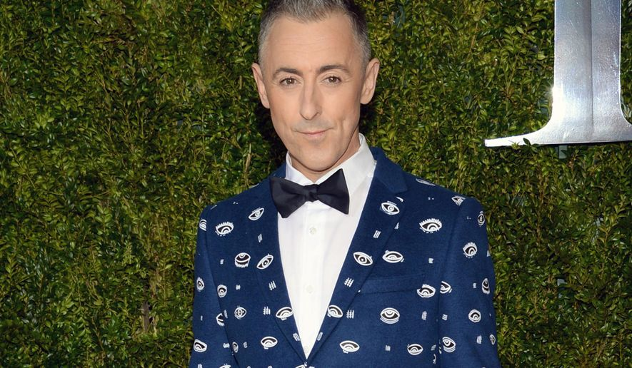 "FILE - In this June 7, 2015 file photo, Alan Cumming arrives at the 69th annual Tony Awards in New York. Cumming, who starred in a concert series ""Alan Cumming Sings Sappy Songs"" at the elegant Cafe Carlyle last summer, has a live CD of the concert and now on a mini tour. (Photo by Evan Agostini/Invision/AP, File)"