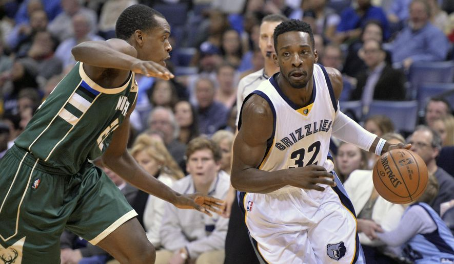 FILE - In this Thursday, Jan. 28, 2016 file photo, Memphis Grizzlies forward Jeff Green (32) drives against Milwaukee Bucks guard Khris Middleton in the second half of an NBA basketball game in Memphis, Tenn. Two people with knowledge of the deal says the Memphis Grizzlies have traded forward Jeff Green to the Los Angeles Clippers in exchange for guard Lance Stephenson, Thursday, Feb. 18, 2016. (AP Photo/Brandon Dill, File)