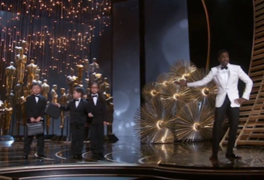Former New York Knicks phenom Jeremy Lin ripped comedian Chris Rock for joking about Asians and child labor Sunday night during his controversial Oscars performance. (ABC)