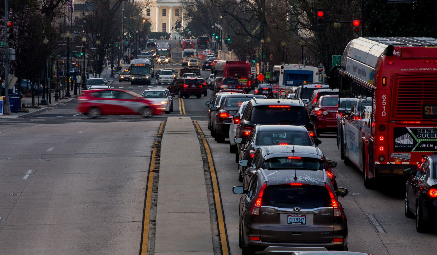 Speeding bus traffic means fixing, and enforcing, parking rules