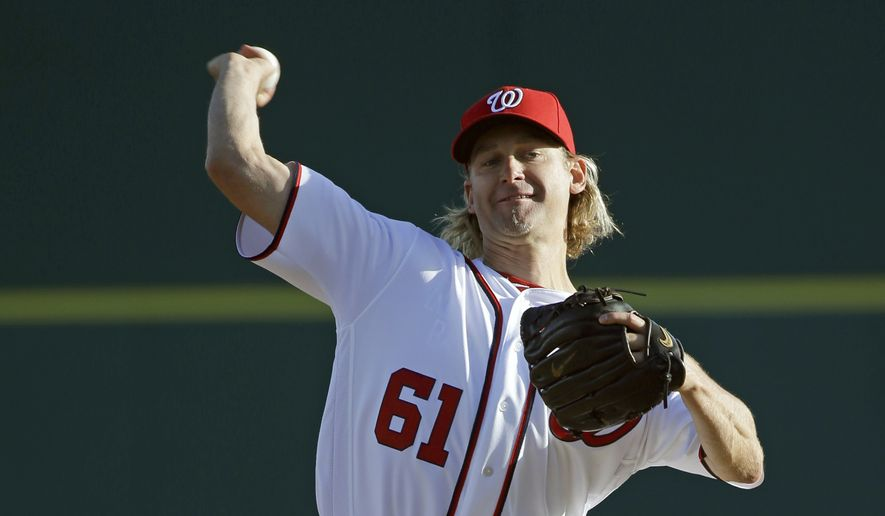 Washington Nationals' Bronson Arroyo pitches against the Houston Astros in the first inning of a spring training baseball game, Thursday, March 10, 2016, in Viera, Fla. (AP Photo/John Raoux)