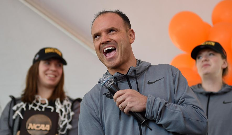 Oregon State coach Scott Rueck talks to fans during a rally Tuesday, March 29, 2016, in Corvallis, Ore. Oregon State plays Connecticut on Sunday in the semifinals in the NCAA women's college basketball tournament Final Four in Indianapolis. (Godofredo Fasquez/The Gazette-Times via AP)