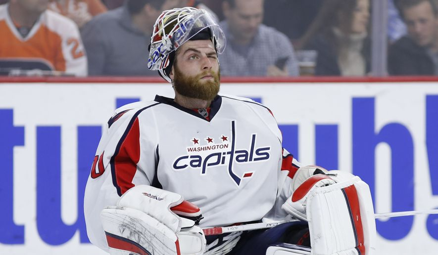 Washington Capitals' Braden Holtby in action during an NHL hockey game against the Philadelphia Flyers, Wednesday, March 30, 2016, in Philadelphia. (AP Photo/Matt Slocum)