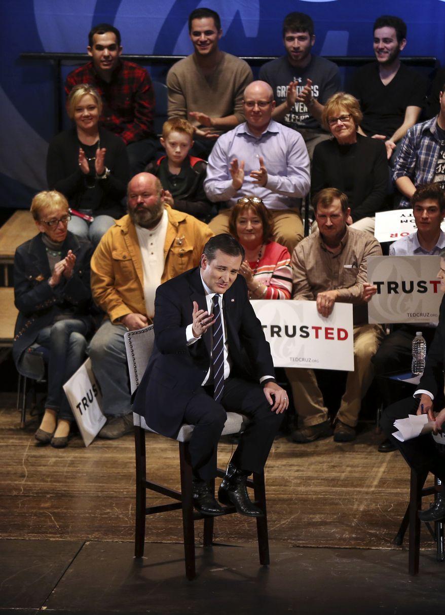 Republican presidential candidate, Sen. Ted Cruz, R-Texas speaks at a campaign event, Friday, April 15, 2016, in Binghamton, N.Y. (AP Photo/Mel Evans)
