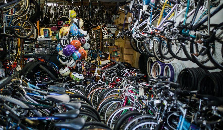 Detroit S Oldest Bike Shop Owner Rides Out Tough Times